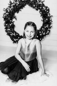 00012-©ADHPhotography2019--Webb--ChristmasFarmhouseMini--December10bw