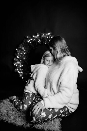 00004-©ADHPhotography2019--CrystalWest--ChristmasMini--November12--bw