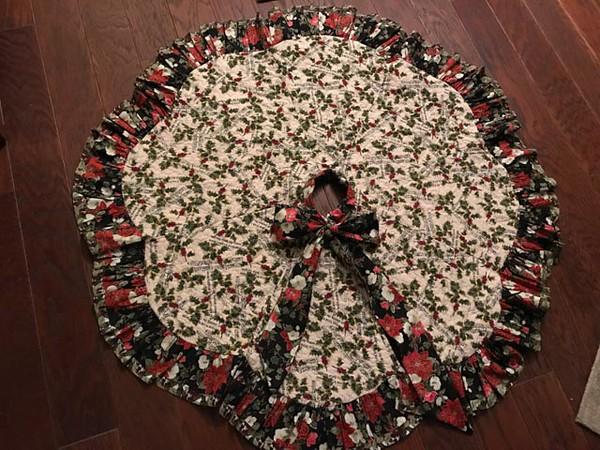 Hannah's Tree Skirt