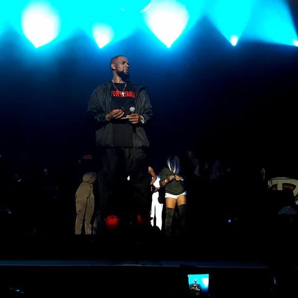 R Kelly Concert