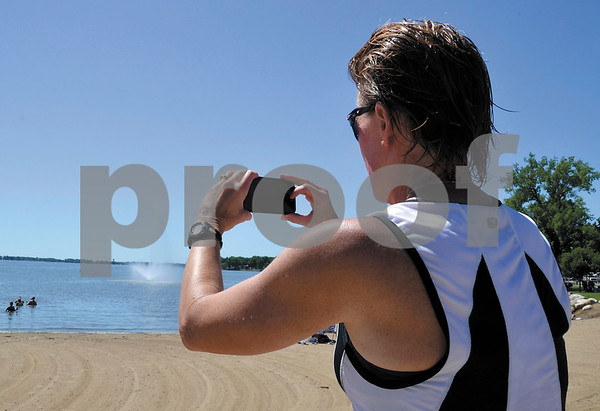 -Messenger photo by Britt Kudla<br /> Cindy Long of South Carolina takes a selfie during her layover in Storm Lake during RAGBRAI on Sunday
