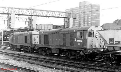 20113 leads 20106 through Crewe with a double-headed southbound MGR working. 23rd June 1990.