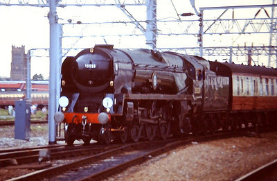 """SR Bulleid 'Merchant Navy' Class Pacific 35028 """"Clan Line"""" runs into Crewe with a special from Holyhead. May 1989."""