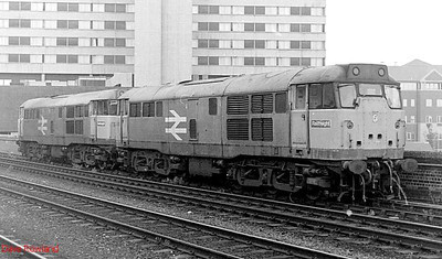31549 & 31212 are seen in tandem at Leeds on 2nd September 1991.