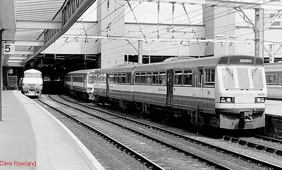 141 120 stands at Leeds station on 24th May 1990.