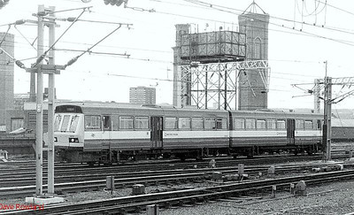 141 119 again in black & white. Leeds, 24th May 1990.