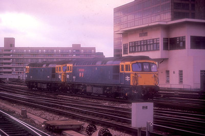 """33112 """"Templecombe"""" + 33119 move light engine into Waterloo on 27th August 1988."""