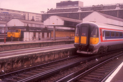 47435 and 'Wessex pig' 2421 at Waterloo on 5th December 1989.