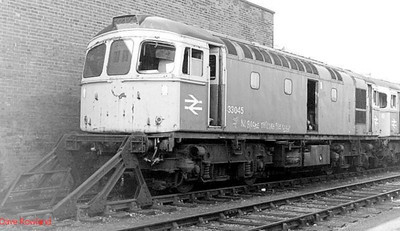 A closer view of withdrawn 33045 at Salisbury CARMD on 10th September 1990.