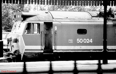 "NSE 'Hoover' 50024 ""Vanguard"" stabled in the bay at Salisbury on 31st July 1990."