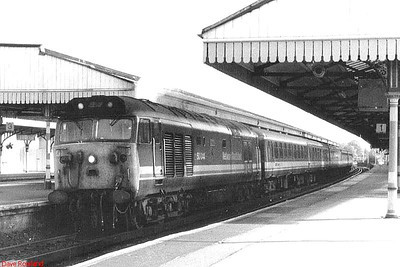"NSE 50044 ""Exeter"" prepares to head off from Basingstoke with a Waterloo to Exeter train. 28th September 1990."