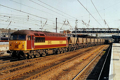 56 067 - BR Class 56 Type 5 Co-Co DE - built 12/79 by Doncaster Works - withdrawn  - seen here at Doncaster on a southbound MGR.