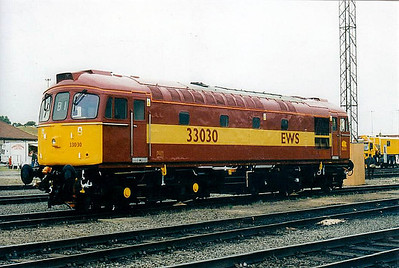 33 030 - BRCW Class 33 Type 3 Bo-Bo DE - built 04/61 by BRCW as D6548 - 1973 to 33 030 - withdrawn 08/05 - stored at Carnforth - seen here at Toton, 08/98.