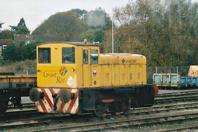 GRANT RAIL - GR5089 - Ruston & Hornsby 0-4-0 shunter, Grant Rail Yard pilot, seen here 06/11/01 in March Down Yard.