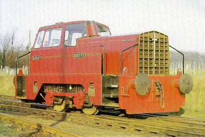 HARLAXTON IRONSTONE QUARRIES - BETTY - 0-4-0DH Shunter - built 1965 by Rolls Royce/Sentinel, Works No.10201 - one of 13 supplied to Oxfordshire Ironstone Co. - seen here in 1967 at Harlaxton - preserved.