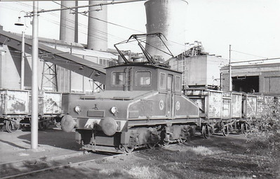 KERESLEY POWER STATION - No.3 - built 1944 by Robert Stephenson Hawthorne for the CEA, later CEGB, one of 4 similar locos employed there until the power station closed in 1982. Ths loco is seen here 06/69 and is now preserved.