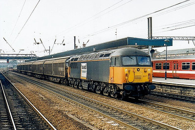 56 027 - BR Class 56 Type 5 Co-Co DE - built 09/77 by Electroputere, Romania - withdrawn 03/03 - seen here at Doncaster.