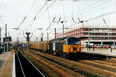 56 102 - BR Class 56 Type 5 Co-Co DE - built 12/81 by Doncaster Works - withdrawn 09/03 - seen here at Doncaster.