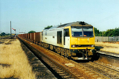 60073 - Brush Class 60 Type 5 Co-Co DE - built 11/91 by Brush Traction - 03/11 to store at Toton - seen here at Barnetby on ore empties.