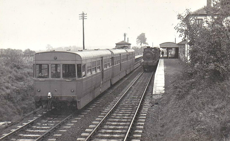 ACV RAILCAR - Experimental 3-car DMU using two bus engines in three 4-wheeled bodies, tested on a number of branch lines around the country - seen here at Cliffe on an Allhallows on Sea - Gravesend train in 10/53.