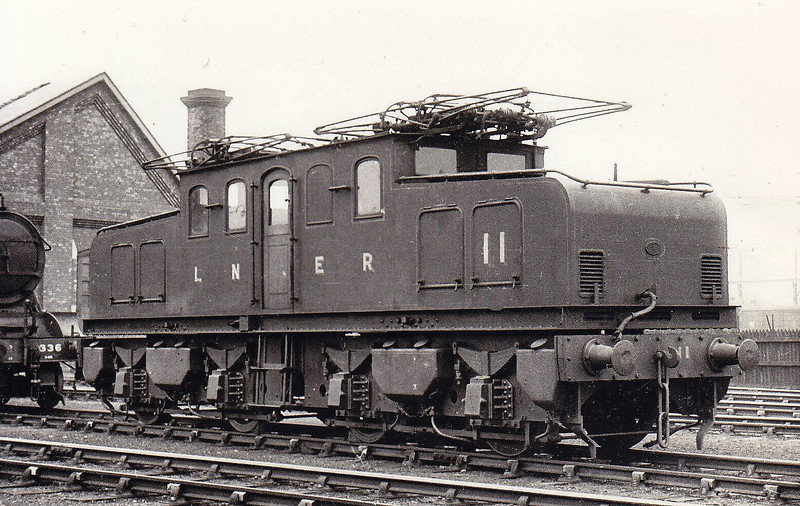Class EB1 -    11 - NER Raven 1500 vDC Bo-Bo Electric - built 12/14 by Darlington Works - 1946 to LNER No.6498, 1948 to BR No.26510 - 1949 to Ilford as Depot Shunter - 1959 to Departmental No.100 - withdrawn 04/64 - seen here at Darlington in 1935.