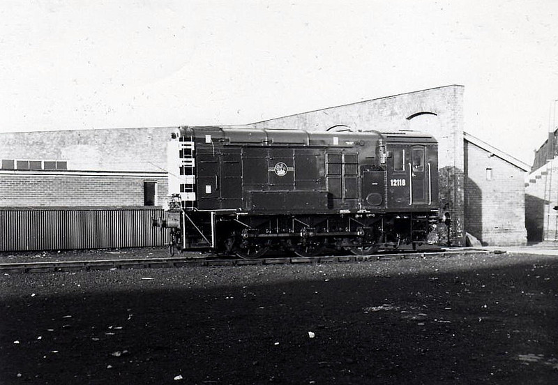 Class 11 - 12118 - LMS/EE 0-6-0DE Shunter - built 1952 by Darlington Works - withdrawn 04/71.