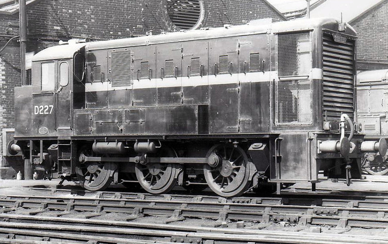 D227 - English Electric 0-6-0 DH Shunter - built 1956 by English Electric - 1958 to D0227 - withdrawn 09/59 - seen here at Stratford, 06/59.