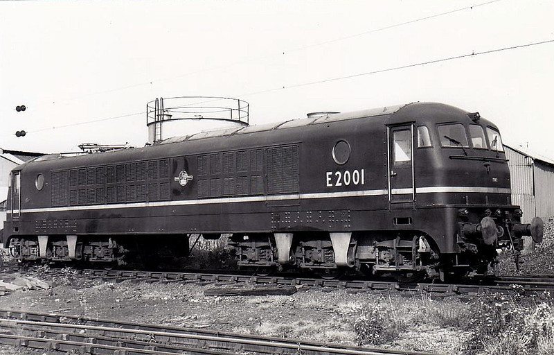 E2001 - MV Co-Co Gas Turbine - built 1952 by Metropolitan Vickers - withdrawn 1958 - rebuilt as AC Electric No.E1000, 1959 to E2001 - withdrawn 1968.