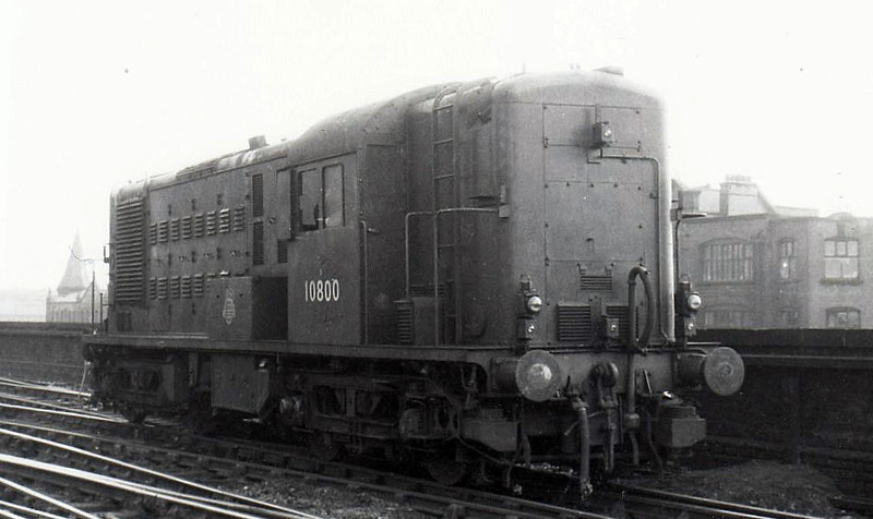 10800 - NBL Type 1 Bo-Bo DE - built 1950 by North British Loco Co. - withdrawn 08/59 - prototype of Class 14/15 - seen here at Leicester Central.