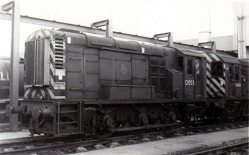 Class 11 - 12055 - LMS/EE 0-6-0DE Shunter - built 1949 by Derby Works - withdrawn 07/71.