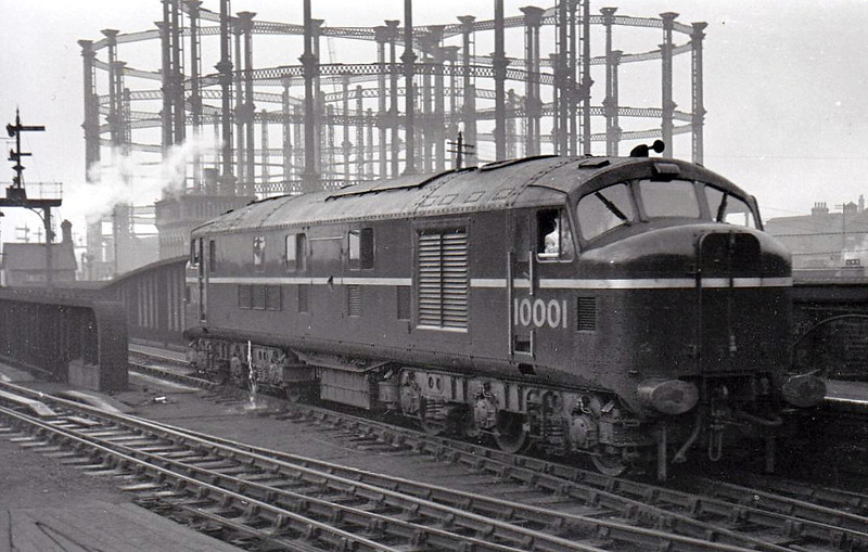 10001 - LMS/English Electric Co-Co DE - built 1947 by English Electric for LMSR - withdrawn 03/66 - seen here at St Pancras.