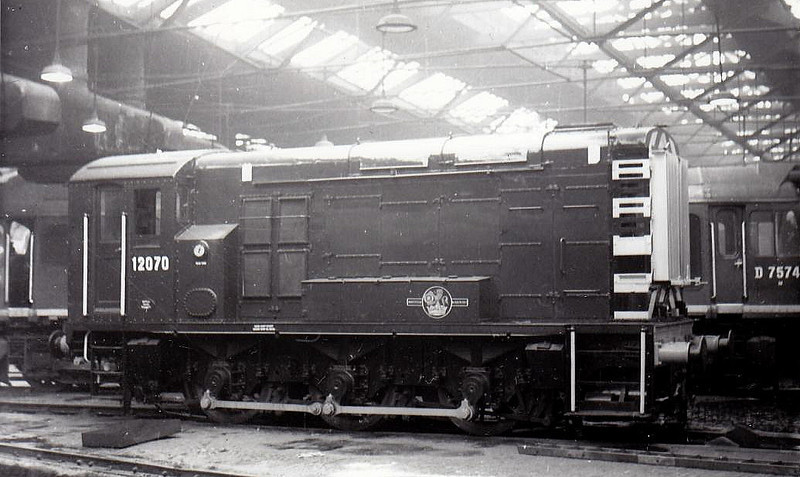 Class 11 - 12070 - LMS/EE 0-6-0DE Shunter - built 1950 by Derby Works - withdrawn 10/69.