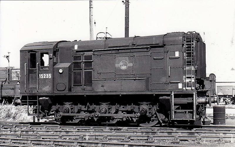 15235 - BR/EE Class 12 0-6-0DE Shunter - built 1952 by Ashford Works - withdrawn 05/71.