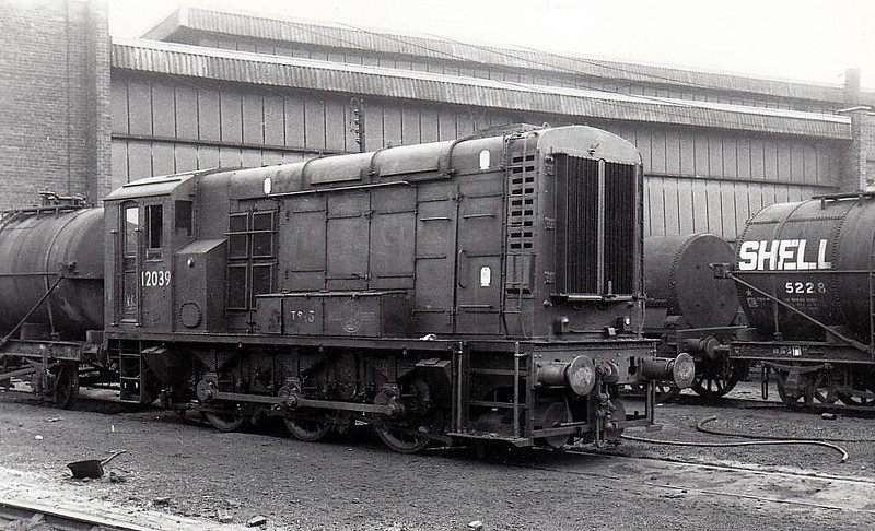 Class 11 - 12039 - LMS/EE 0-6-0DE Shunter - built 1948 by Derby Works as LMS No.7126 - 1948 to 12039 - withdrawn 10/68.