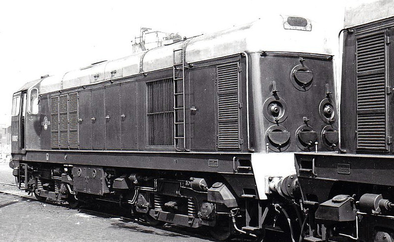 Class 20 - D8002 - EE Type 1 Bo-Bo DE - built 07/57 by English Electric - 1973 to 20 002 - withdrawn 02/88 from Immingham TMD.