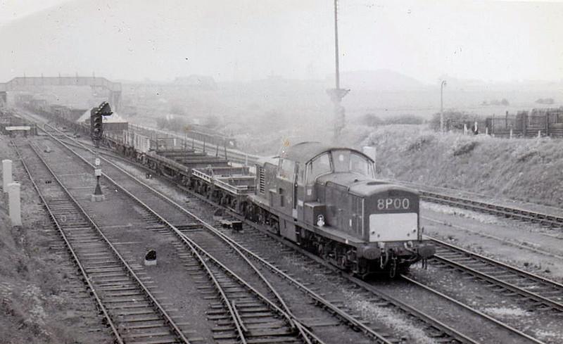 Class 17 - D8525 - Clayton Type 1 Bo-Bo DE - built 1963 by Clayton Equipment Co. - withdrawn 10/71.