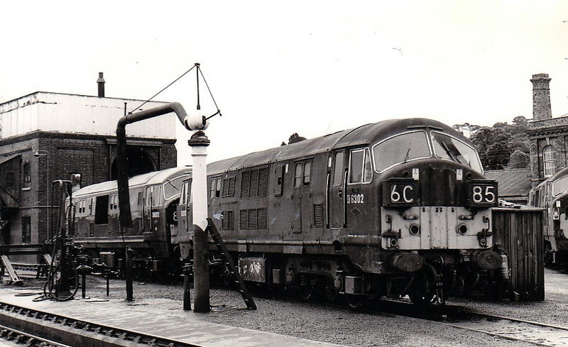 Class 22 - D6302 - NBL Type 2 B-B DH - built 1959 by North British Loco Co. - withdrawn 05/68 - seen here with D6312.