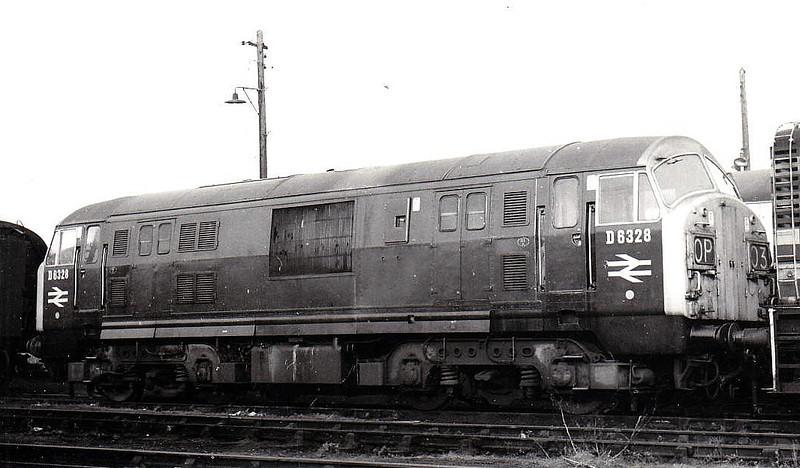 Class 22 - D6328 - NBL Type 2 B-B DH - built 1960 by North British Loco Co. - withdrawn 07/71.