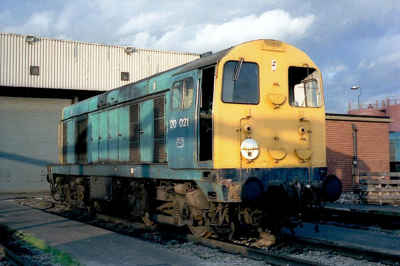 20021 - English Electric Class 20 Type 1 Bo-Bo DE - built 10/59 by Robert Stephenson & Hawthorn as D8021 - 1973 to 20021 - withdrawn 03/91.
