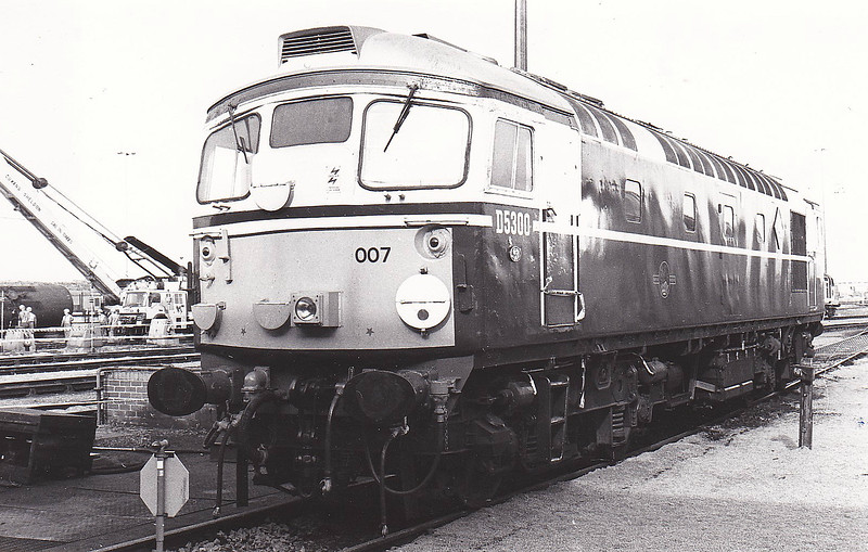 26007 - BRCW Type 2 Bo-Bo DE - built 07/58 by BRCW - 1973 to 26 007 - withdrawn 10/93 from Eastfield TMD - seen here at Thornaby, 09/92 - preserved at GCR.