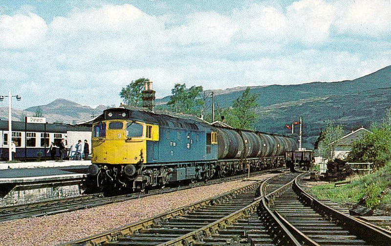 27109 - BRCW Class 27 Type 2 Bo-Bo DE - built 07/62 by BRCW as D5397 - 1973 to 27109, 06/83 to 27053 - withdrawn 05/87 - seen here at Crianlarich, 05/81.