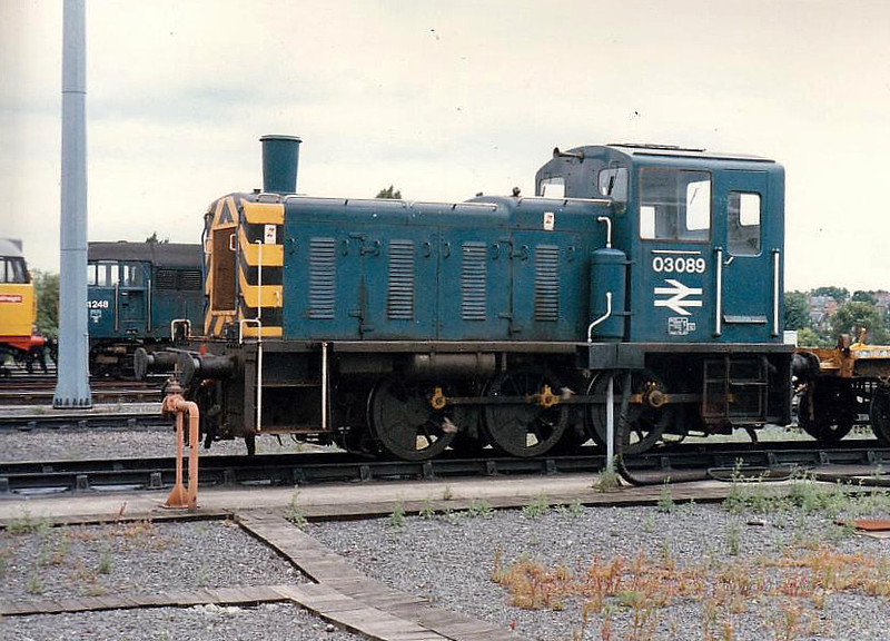 03089 - BR Class 03 0-6-0 DM Shunter - built 05/60 by Doncaster Works as D2089 - 1973 to 03089 - withdrawn 11/87 - preserved - seen here in 1985.