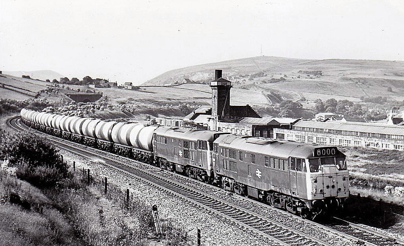 31130 - Brush Class 31 Type 2 A1A-A1A DE - built 09/59 by Brush Traction as D5548 - 1973 to 31130 - withdrawn 08/97 - preserved -seen here near Diggle with 31292, 07/78.