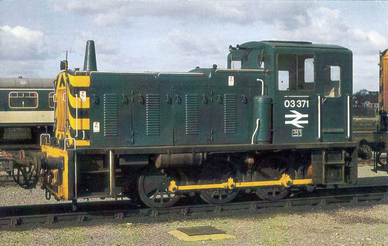 03371 - BR Class 03 0-6-0DM Shunter - built 12/58 by Swindon Works as D2371 - 1973 to 03371 - withdrawn 11/87 from Gateshead TMD - preserved - seen here at York.