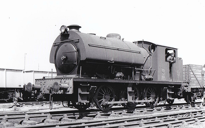 STEWARTS & LLOYDS LTD., Corby - No.61 - 0-6-0ST - built 1950 by Robert Stephenson & Hawthorn Co., Works No.7672 - seen here 07/51.