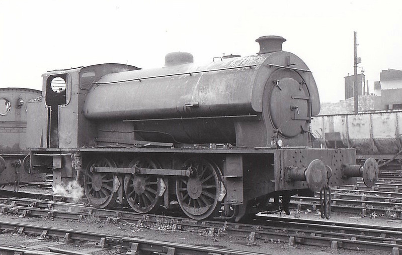 NATIONAL COAL BOARD, Derwenthaugh Colliery - Austerity Type 0-6-0ST - built 1949 by Hunslet Engine Co., Works No.3689 - seen here 05/64.