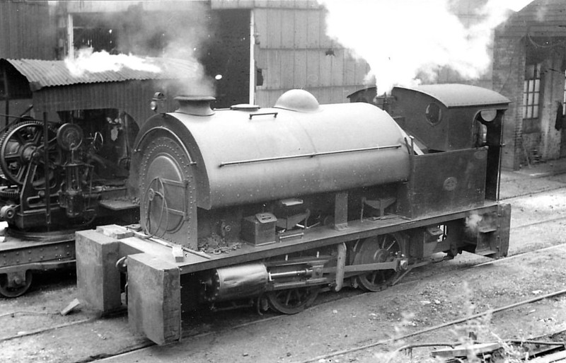 SWAN HUNTER & CO., Wallsend - No.2510 - 0-4-0ST -  built 1944 by Robert Stephenson & Hawthorn Ltd., Works No.7128 - seen here 08/56.