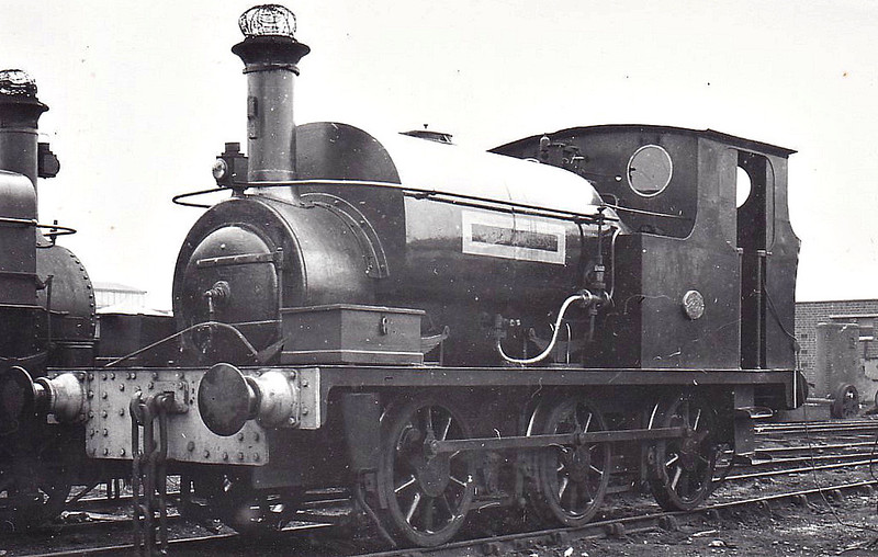 SAMUEL WILLIAMS & SONS, Dagenham Dock - No.15 - 0-6-0ST - built 1937 by Hudswell Clarke & Co., Works No.1676 -  seen here at Dagenham Dock.