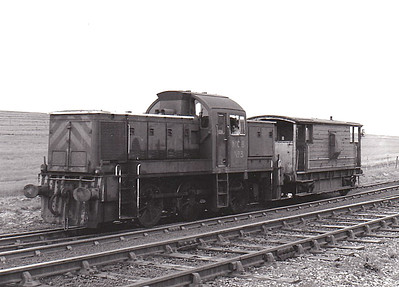 NATIONAL COAL BOARD, Ashington Colliery - No.3 - ex-BR Class 14 0-6-0DM - built 11/64 by Swindon Works as BR No.9521 - 05/69 withdrawn from 87E Landore - 03/70 to NCB, Ashington - 11/84 withdrawn - preserved at Dean Forest Railway - seen here at New Moor, 05/80.
