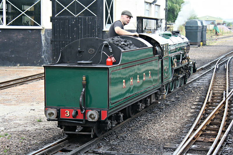 No.3 SOUTHERN MAID -  4-6-2 built 1927 by Davey Paxman & Co. - based on LNER Class A1 - 1947 large tender fitted - waits to back down onto her train, 27/07/10.